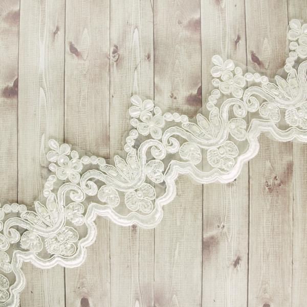 Opulente Borte mit Perlen und Pailletten 10cm Weiß