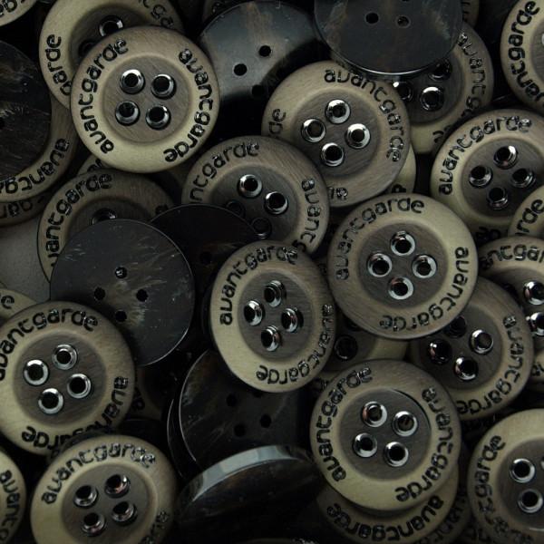 20 Kunststoff Knöpfe Beige Braun 17,5mm