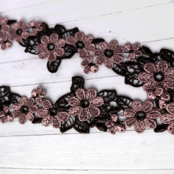 Borte 4cm Blumen Mauve Lila Braun