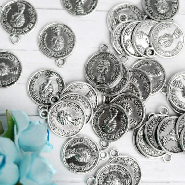 10 Münzen Charms Elisabeth 12mm